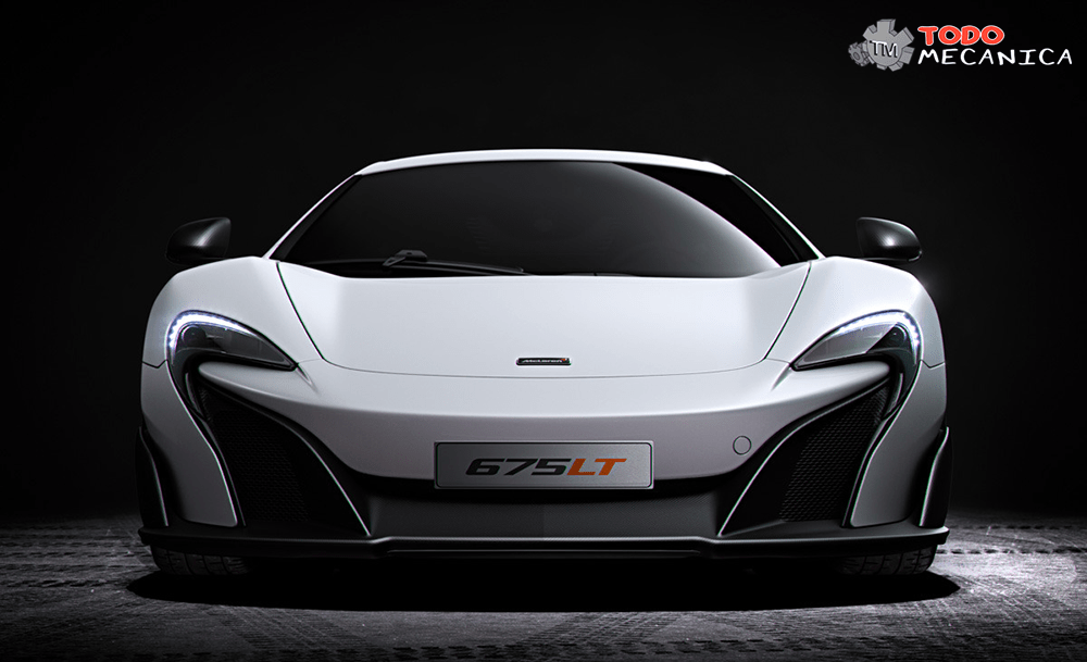 Perspectiva frontal del McLaren 675LT