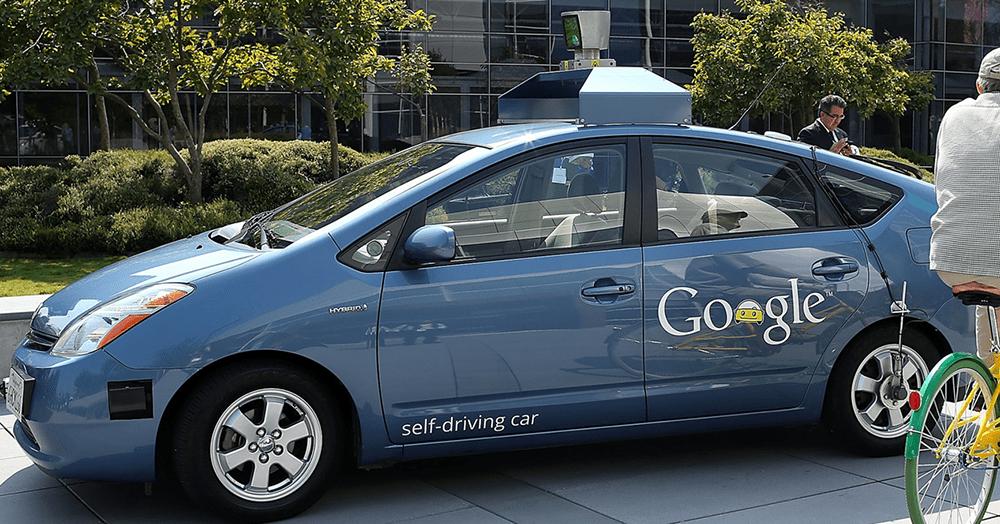 Coche autónomo de Google. Es un Toyota Prius eléctrico.