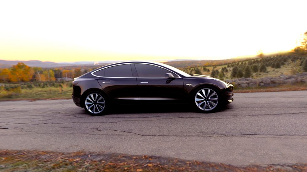 Perspectiva lateral del Tesla Model 3 de color negro