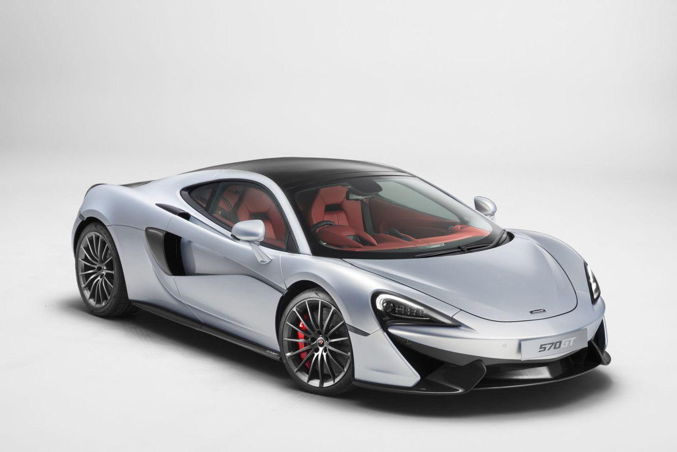Perspectiva frontolateral del McLaren 570GT de color plateado claro