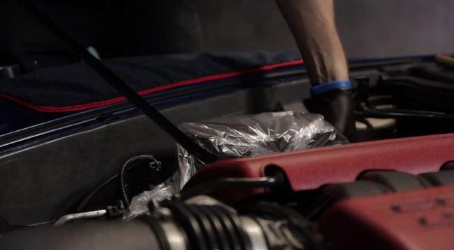Limpieza del motor del coche for Como lavar el motor de un carro