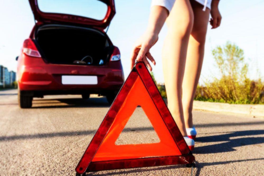 Ante un accidente en carretera debes saber qué hacer y que no hacer para salvar vidas y evitar más peligros. Te mostramos cómo actuar en caso de accidente