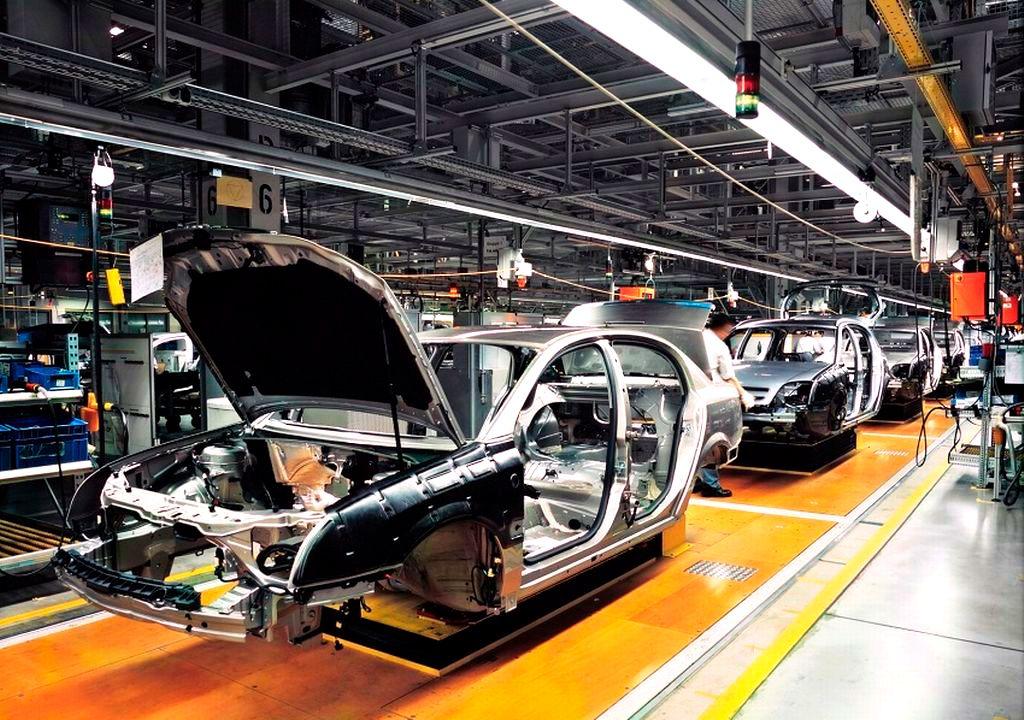 El presidente de los Estados Unidos, Donald Trump, se ha convertido, en menos de 100 días de mandato, en una amenza para el sector del automóvil en México