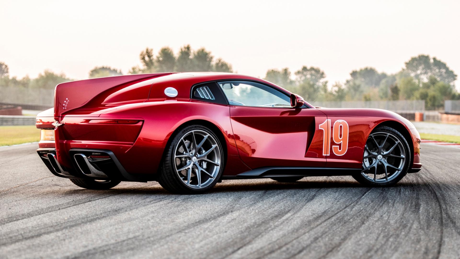 Un Superleggera Aero 3 fabricado sobre un Ferrari F12 Berlinetta rojo